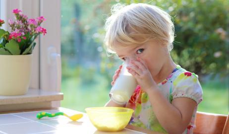 Η υψηλή περιεκτικότητα του φρέσκου γάλακτος σε ω-3 λιπαρά μειώνει τον κίνδυνο άσθματος