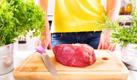 Πόσο απαραίτητο είναι το πλύσιμο του κρέατος πριν το μαγείρεμα