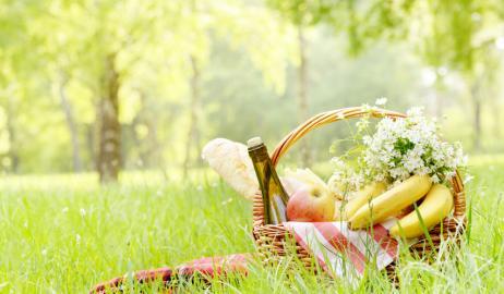 Λίγο κρασί, λίγα φρούτα και μούρα βοηθούν στο αδυνάτισμα