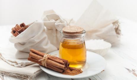 Μέλι με κανέλα: 10 οφέλη για τον οργανισμό από τον απόλυτο συνδυασμό!