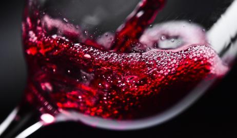 Το κόκκινο κρασι προστατεύει την καρδιά