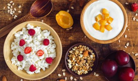 Τρίτη ηλικία: τι πρέπει να προσθέτετε στη διατροφή σας