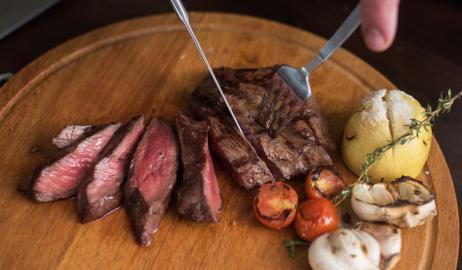 Η υψηλή κατανάλωση κρέατος σχετίζεται με την εκκολπωματίτιδα