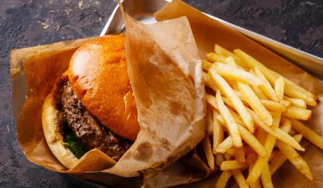 Πως το junk food επηρεάζει τη λειτουργία του μεταβολισμού μας