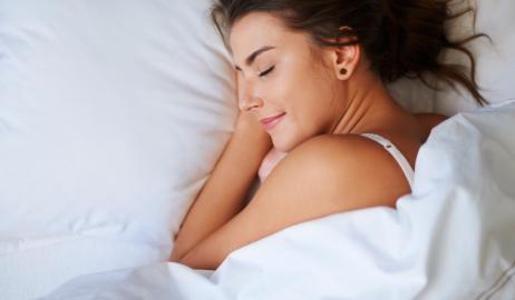 Τροφές που συμβάλλουν στην παραγωγή μελατονίνης και σας βοηθούν να κοιμηθείτε