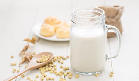 Τα μη γαλακτοκομικά και φυτικής προέλευσης γάλατα ενέχουν τον κίνδυνο έλλειψης ιωδίου