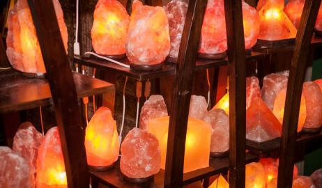 Οι υπό αμφισβήτηση κρυσταλλικές λάμπες από αλάτι Ιμαλάϊων