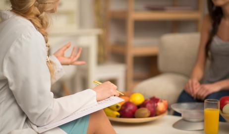 Μια εξέταση αίματος θα μπορεί να αποκαλύψει στο γιατρό σας εάν «κλέβετε» στη δίαιτά σας