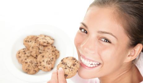 Εάν πρέπει, καταναλώστε ζάχαρη μόνο κατά τη διάρκεια της ημέρας, όταν είστε δραστήριοι