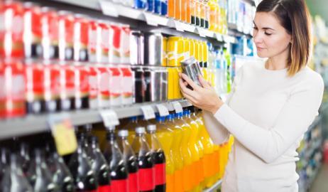 Οι γεύσεις των αναψυκτικών διαφέρουν ανάλογα με τη συσκευασία τους;