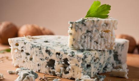 Roquefort, το τυρί «των Βασιλιάδων και των Παπών»