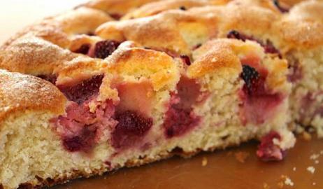 Κέικ με φράουλες: Η απόλυτη γεύση της εποχής