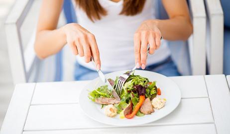 Η δίαιτα του Σαββατοκύριακου: Πώς θα χάσεις μέχρι 2 κιλά, προσέχοντας τη διατροφή σου μόνο Σάββατο και Κυριακή