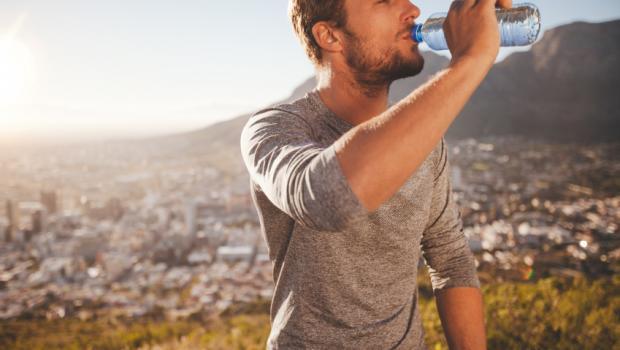 Νερό: ο απαραίτητος αλλά και «άγευστος» σύμμαχος της υγείας μας.