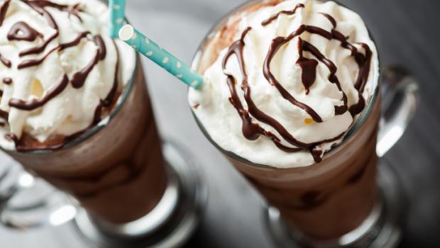 Καφέ με…25 κουταλιές ζάχαρη σερβίρουν αλυσίδες καταστημάτων