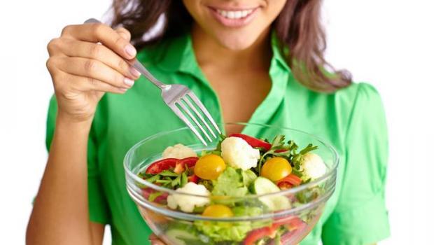 Συμπτώματα που δείχνουν πως δεν τρώτε φρούτα και λαχανικά
