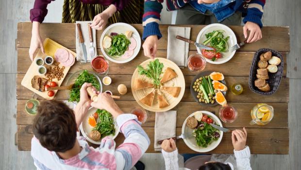 Εθιμοτυπικό φαγητού: περίεργοι παγκόσμιοι κανόνες