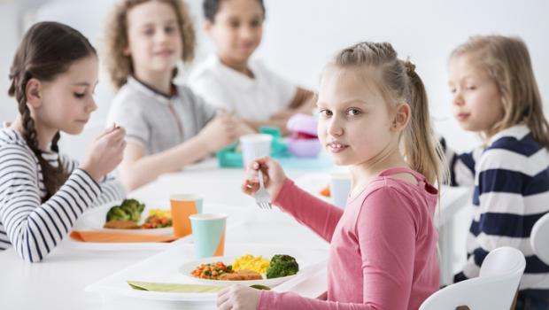 """Καλή αρχή με """"πρόγραμμα σίτισης"""" στα δημοτικά σχολεία"""